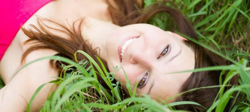 A szép mosoly és a karrier összefügg?